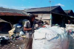Bangunan liar di Kampung Cikedokan Desa Sukadanau, Cikarang Barat