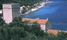 The castle tower of the Mavromichalis family (Mpenakeio Museum) - Elaionas Studios Apartments Gytheio Greece -   Contact: Stavropoulos Evangelos -   Tel. +30-27330-21512 Mobile. +30-697-3788697 -   www.elaionas-studios.gr  info@elaionas-studios.gr