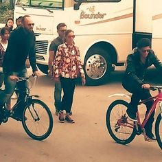 #ShahrukhKhan and #RohitShetty having fun cycling on the sets of #Dilwale