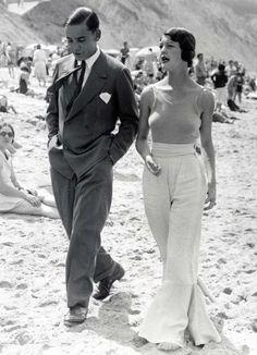 Винтаж | Искусство, дизайн, фото, мода  Прекрасная пара на пляже в Биаррице, 1930, Фото: Джеймс Бер