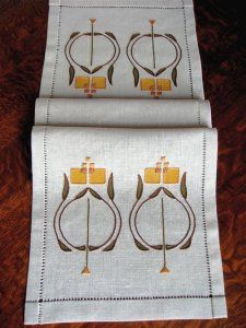 Nell Table Scarf Embroidery Kit