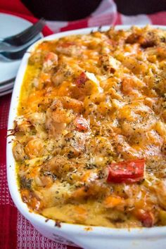 This Cajun Shrimp and Crab Mac and Cheese is super creamy, cheesy and decadent. This delicious spin to the classic dish will surely be your new favourite! Cajun Shrimp and Crab Mac and Cheese Tajuana Thicklen Food This Cajun Shrimp and Crab Creole Recipes, Cajun Recipes, Cooking Recipes, Healthy Recipes, Cajun Food, Crab Food, Crawfish Recipes, Louisiana Recipes, Crawfish Fettucine Recipe