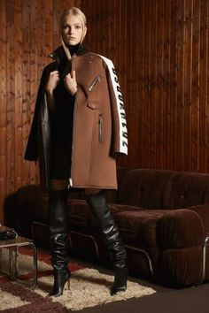 See the complete Dsquared2 Pre-Fall 2018 collection.