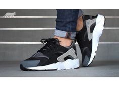 Nike Huarache want dis so much does any one know where to get it dm me if know