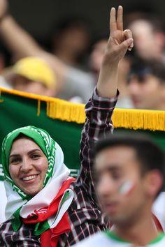 Suporter Iran vs Nigeria