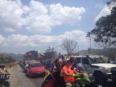 pic.twitter.com/BHmjf2udCS En Bejuma, Carabobo, Gigantesca Caravana para protestar.