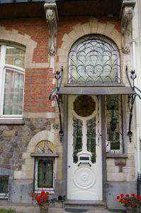 Art Nouveau facade in Antwerp. Isn't it a delight to the eyes?