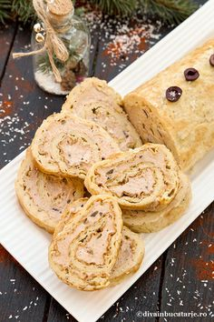 RULADA CU PATE DE TON | Diva in bucatarie Christmas Recipes, Food And Drink, Bread, Appetizers, Recipes, Breads, Sandwich Loaf