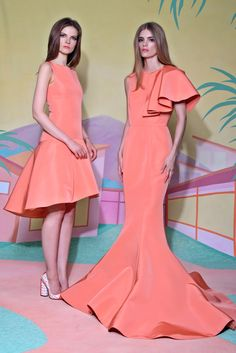 Christian Siriano - Resort 2016 - Look 23 of 34?url=http://www.style.com/slideshows/fashion-shows/resort-2016/christian-siriano/collection/23