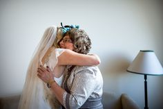 Mother daughter hug Our Wedding Day, Hug, Daughter, Dreadlocks, Celebrities, Hair Styles, Beauty, Celebs, Beleza