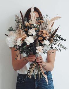 Wild daisy wedding on quot; Daisy Wedding, Floral Wedding, Fall Wedding, Dream Wedding, Purple Wedding, Rustic Wedding, Bridal Bouquet Fall, Bridal Flowers, Flower Bouquet Wedding