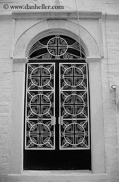 ornate doors | ornate-church-door-bw.jpg black and white, churches, doors, doors ...