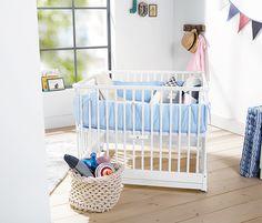 Das zusammenklappbare #Baby-Laufgitter in #rosa oder #blau macht die #Erstausstattung im #Babyzimmer komplett. www.tchibo.de/... #tchibo #lieblingsstuecke