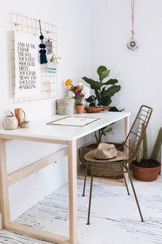 The Art of Hygge: Essentials for your bedroom workspace – Anita Yokota – Office İnspiration Bedroom Workspace, Bedroom Office, Workspace Design, Office Workspace, Home Office Design, Home Office Decor, Home Decor Bedroom, Home Decor Near Me, Office Setup