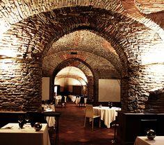 Restaurant Guido da Costigliole | Relais San Maurizio Luxury Spa Resort European Cafe, European Travel, Restaurant Design, Restaurant Bar, Unique Restaurants, Luxury Spa, Cafe Interior, 5 Star Hotels, Resort Spa
