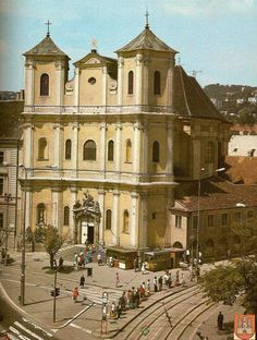 Kostol najsvätejšej trojice Bratislava, Old Photos, Mesto, Mansions, House Styles, Cinema, Old Pictures, Manor Houses, Vintage Photos
