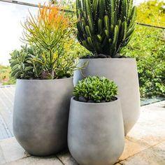 Big Planters, Cement Planters, Planter Pots, Outdoor Pots And Planters, Outdoor Flower Pots, Diy Concrete Planters, Cement Garden, Wall Planters, Modern Planters