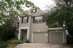 87 N Altwood Circle - For Lease. Fabulous backyard w/pool/spa on cul-de-sac lot. Home features: courtyard off dining, tile floors, an open floor plan, 42'' cabinets in kitchen, black appliances, tile backsplash & a breakfast bar. Den w/view of backyard, gas log fireplace & media nook. Study down w/french doors off entry & nice wood work. Gameroom, split master suite & bedrooms upstairs. Pool/Lawn Maintenance, Washer & Dryer & 2 Refrigerators included. #realestate #thewoodlands #startyourmove