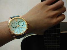 06-01-2016. Hari ini aku Senang banget ada yang ngasih jam tangan bagus banget aku suka. Dan hari ini gak bakalan aku lupain se umur hidup akiu. Terimakasih. #Mega_Silviana_Putri_Dewi.