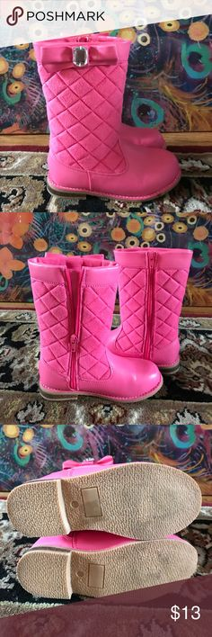 Size little girl 13 pink quilted boots with bow. These cute boots are Gymboree. Size 23 in little girl. Versatile pink color and pretty bow with white jewel. Gymboree Shoes Boots