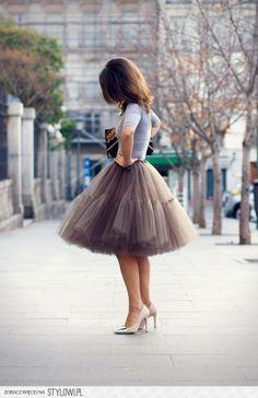 stylowi_pl_moda-damska_style--tulle-tutu-skirt---grey-tee_4155292.jpg (550×850)