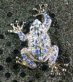 Fine Blue Cat Eye Aquamarine Crystal Rhinestone Frog Animal Jewel Pin Brooch