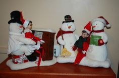 Elf has a Christmas sing-a-long