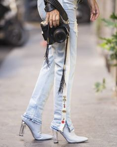 Photographer on the go. Today's fashion week details by @fabio.vfx  @4thandreckless #ootd #outfit #ootdmagazine #outfitoftheday #fashionista #streetstyle #fblogger #styleblog #aboutalook #fashiondiaries #whatiwore #wiw #wiwt #currentlywearing #outfitinspiration #lookoftheday #todaysoutfit #ootdfash #ootdshare #outfitpost #fashionpost #lotd #lookbook #styleoftheday #personalstyle #mystyle