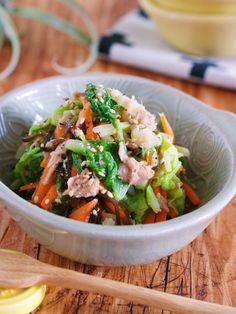 《湯かけ白菜とツナ塩昆布の無限サラダ》