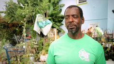 """Meet the extraordinary gardener Ron Finley. He planted vegetables and fruits in his front lawn to share with neighbors. He was one of the founders of the LA Green Grounds that was inspired by his gangster attitude towards gardening and also a TED Speaker, with his videos garnering over a million views. """"Food is the problem and food is the solution."""" Ron Finley http://www.thextraordinary.org/ron-finley"""
