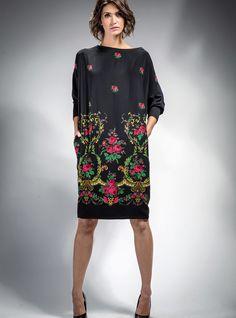 SUKIENKA GÓRALSKA CZARNA :: #Sukienka #folk, czarna, typu oversize. Uszyta z…