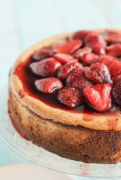 Roasted Strawberry & Ginger Ricotta Cheesecake by raspberri cupcakes*** Just Desserts, Delicious Desserts, Yummy Food, Strudel, Cobbler, Crepe Suzette, Mousse, Ricotta Cheesecake, Food C