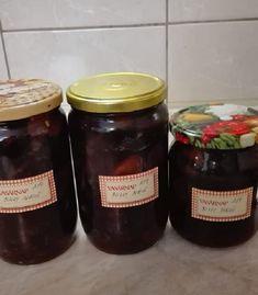 Én a nagymamámtól tanultam Most a szilvát is kiprobálom. Fruits And Vegetables, Evo, Preserves, Salsa, Canning, Preserve, Gravy, Fruits And Veggies, Home Canning