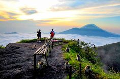 For how relaxing Bali is, this is the perfect thrill for adventure seekers. Hiking up the second highest volcano in Bali to catch the sunrise is an incredible experience that is worth the climb! #cheapbalitour58
