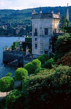 Gardens of the Palazzo Borromeo on Isola Bella.