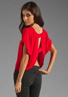 Blusas de moda casual elegante con escote en la espalda   http://blusas.me/blusas-de-moda-casual-elegante-con-escote-en-la-espalda/