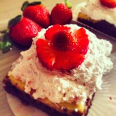 Brownies alla cheesecake di fragole http://www.incucinaconpanny.com/2015/01/brownies-alla-cheesecake-di-fragole.html