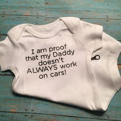 I Am Proof That My Daddy Doesn't Always Work On Cars Bodysuit Funny – Pregnancy Announcement – babykleidung ideen Baby Outfits Newborn, Baby Boy Outfits, Maternity Outfits, Funny Babies, Cute Babies, Funny Kids, Baby Gender Reveal Party, Cute Baby Clothes, Babies Clothes
