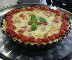 Fome! Receita de Sônia Machiavelli. Torta de queijo e tomate cereja. Breve no GCN. #receita #gcn by portalgcn http://ift.tt/1X0OYKo