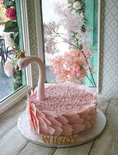 Birthday Cake With Flowers, Birthday Cake Girls, Pretty Cakes, Beautiful Cakes, Chocolate Birthday Cake Decoration, Tuxedo Cake, Peacock Cake, Ganache, Cake Decorating Techniques