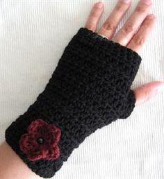 Crochet Pattern Central Fingerless Gloves : Crochet Fingerless Gloves on Pinterest Wrist Warmers ...