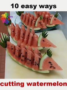10 Awesome Ways To Cut a Watermelon in 2 minutes ! Awesome Cut minutes Watermelon Ways is part of Cut watermelon - Watermelon Hacks, Cute Watermelon, Watermelon Basket, Watermelon Designs, Easy Food Art, Creative Food Art, Creative Ideas, Watermelon Carving Easy, Cutting A Watermelon