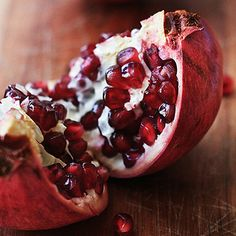 How Pom Seeds Keep You From Overeating