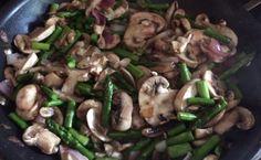 Flex Meal: Mushroom-Asparagus Medley » Purium Blog Whole30 Salmon Recipes, Vegan Recipes, Purium Cleanse, 10 Day Cleanse, Cleanse Detox, Parasite Cleanse, Cleanse Recipes, Asparagus, Stuffed Mushrooms