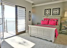 CROWN MOULDING WITH PAINTED CEILING Flying Jib House - Eclectic - Bedroom - Charlotte - Artisan Custom Homes