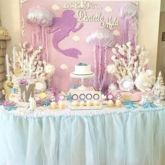 Festa fundo do mar Under the sea party Girl Birthday Themes, 1st Birthday Parties, Mermaid Birthday, Princess Birthday, Flower Arrangement Designs, Claudia S, Under The Sea Party, Reveal Parties, Party Themes