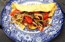 Stuffed omelette with beef (no carbs)