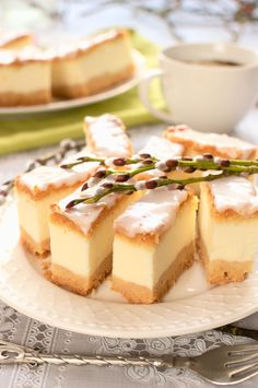 Sernik biały puch (na samych białkach) Puch Recipe, Polish Recipes, Cheesecakes, Cake Cookies, Muffin, Food And Drink, Cooking Recipes, Pudding, Pasta