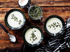 Maa-artisokkasosekeitto - Reseptit Soup Recipes, Cooking Recipes, Decorative Plates, Ethnic Recipes, Maa, Food, Christmas, Xmas, Chef Recipes