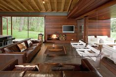 Vacation Home in Mexico. Contemporary cabin in the woods by Elias Rizo Arquitectos. Contemporary Cabin, Contemporary Design, Contemporary Architecture, Style At Home, Country House Design, Weekend House, Box Houses, Home Fashion, Interior Architecture